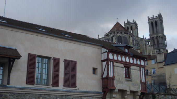 Blick auf Mantes-la-Jolie