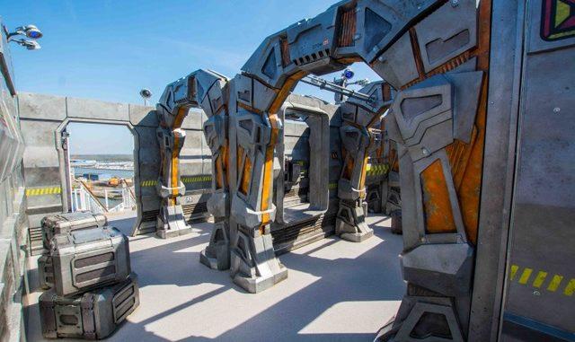 Laser Tag Arena im Weltraum-Style