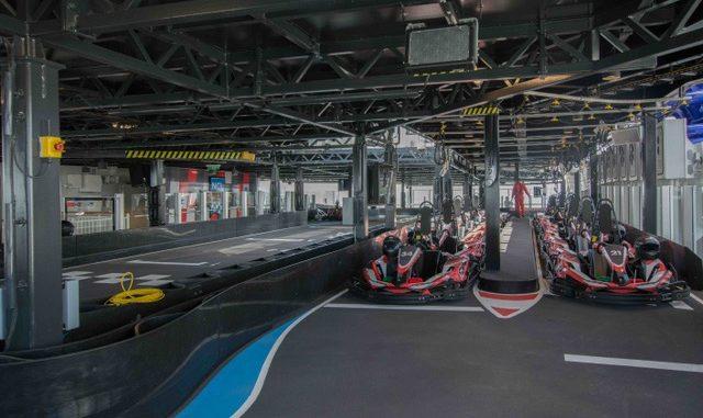 Die 300 Meter lange Kartbahn