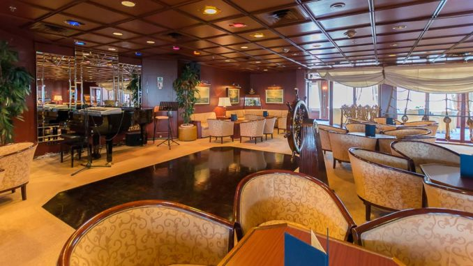 Der Captain's Club der MS Astor