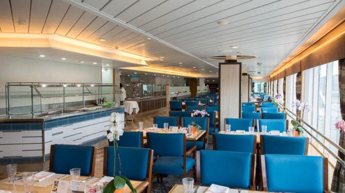 Blick in das Buffetrestaurant der MS Prinsendam