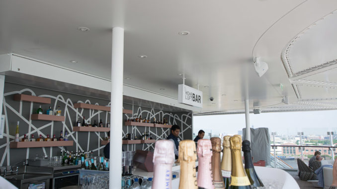Die Hohe Luft Bar bietet eine Champagner-Auswahl