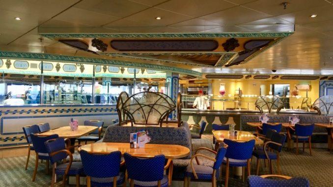 Sitzecke im Buffetrestaurant Perla del Lago