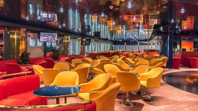 Die Hamburg-Lounge ist recht groß