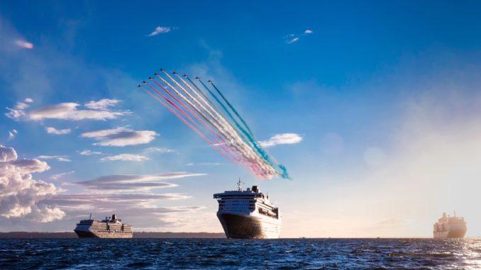 Die drei Cunard Queens beim Auslaufen aus Southampton. Foto: Christopher Ison