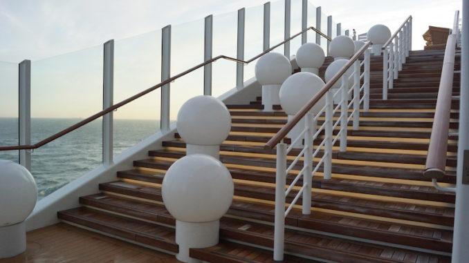 Die Treppe am Lanai Deck ist ein beliebtes Fotomotiv