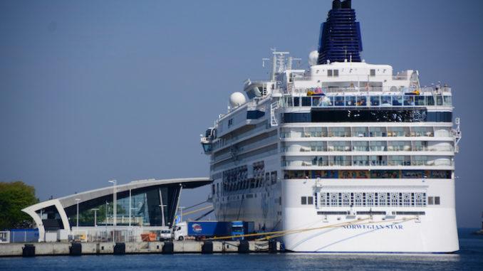 Die Norwegian Star auf Ostseereise zu Gast in Warnemünde