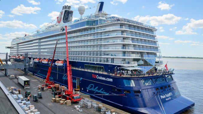 Auch TUI Cruises zeigt sich nun regelmäßig in Bremerhaven