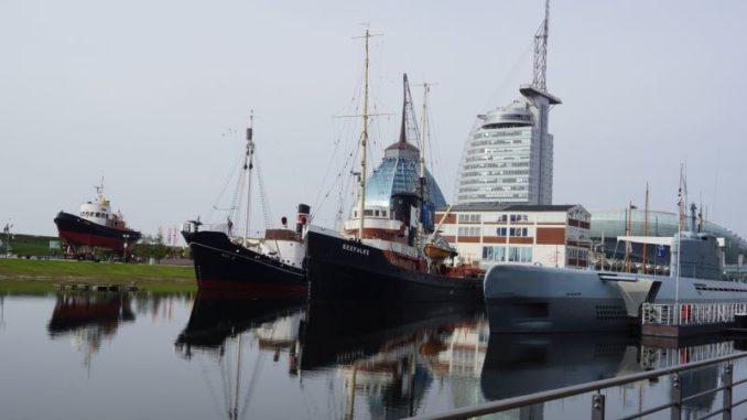 Unterwegs im alten Hafen der Seestadt