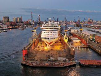 AIDAluna im Dock 11 der Werft Blohm + Voss. Foto: Carsten Neff/ AIDA Cruises