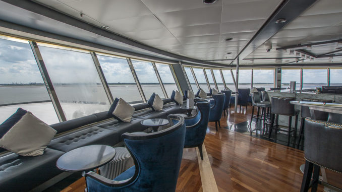 Dome Lounge mit Panoramablick