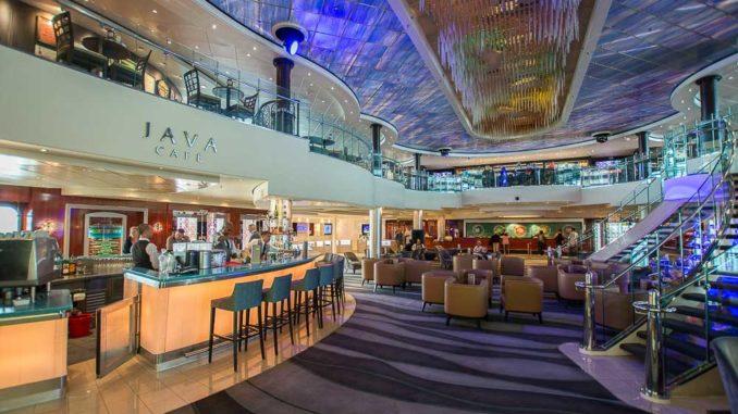 Atrium der Norwegian Pearl