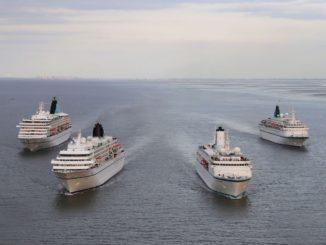Phoenix Flottentreffen mit allen vier Hochseeschiffen in Bremerhaven. Foto: Phoenix Reisen