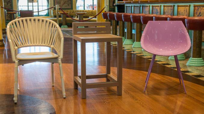 Diese Stühle kommen auf die Costa Smeralda