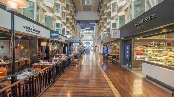 Restaurants an der Promenade der Silja Symphony