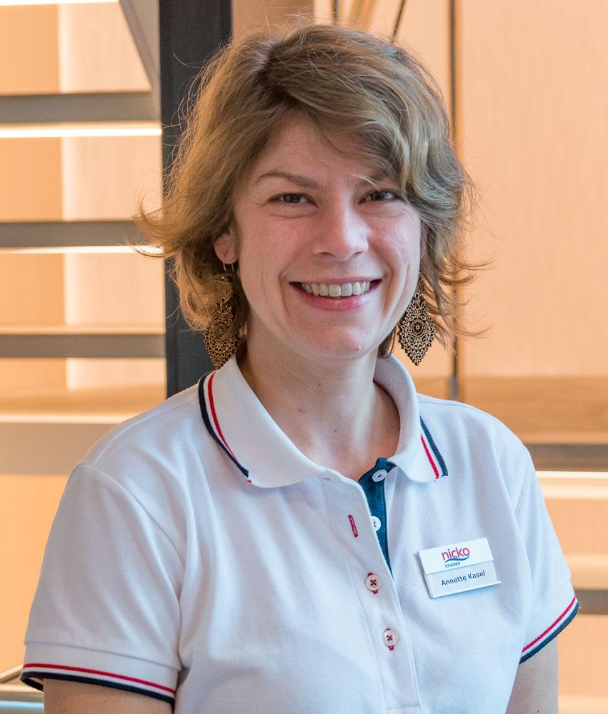 Kreuzfahrtleitung Annette Kasel auf der nickoVISION