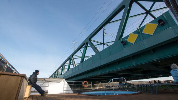Vorsicht bei den Brücken!