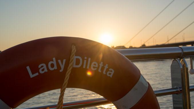 Mit der Lady Diletta über den abendlichen Rhein