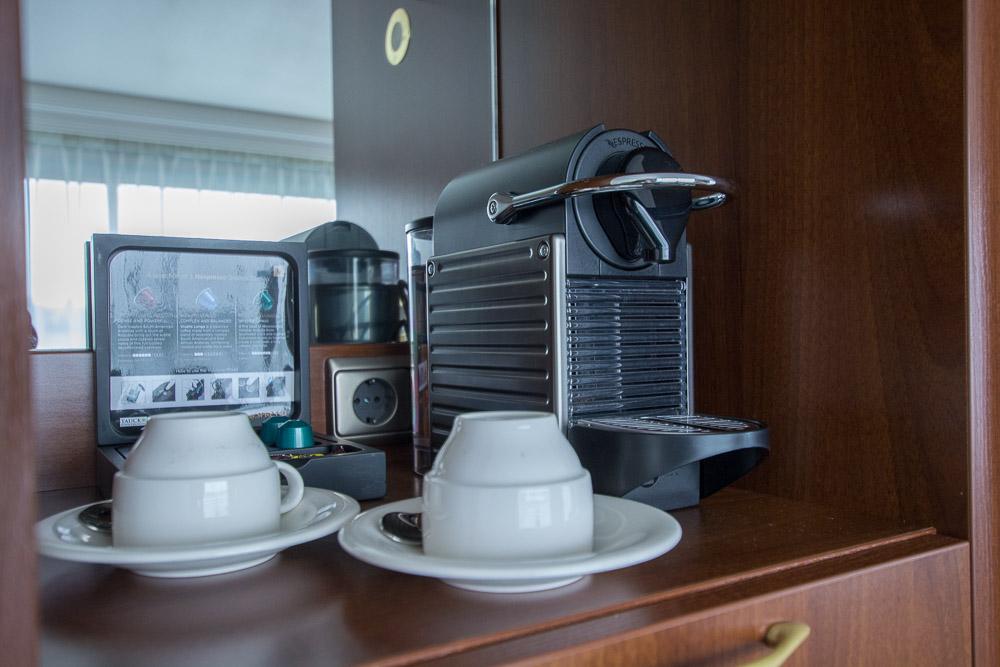 Jede Kabine hat eine eigene Nespresso-Maschine