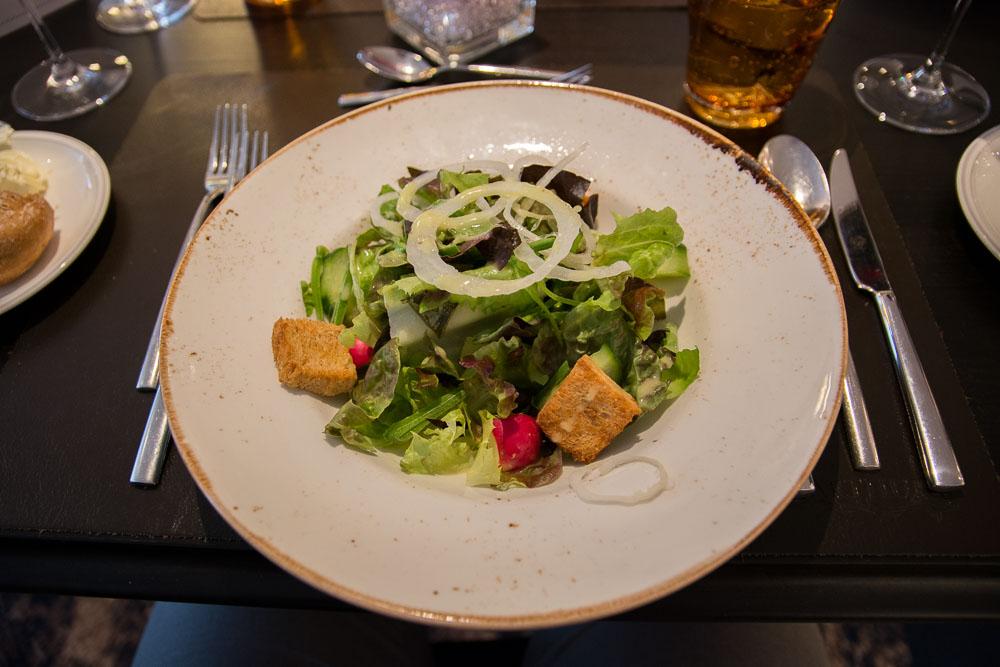 Grüner Salat zur Vorspeise