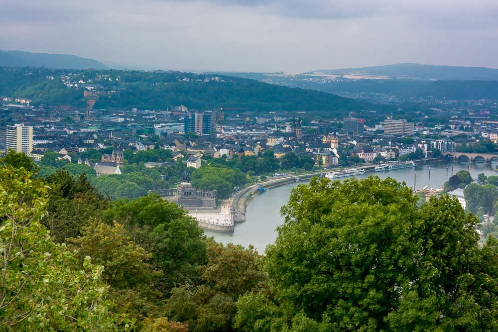 Ausblick auf das Deutsche Eck zwischen Rhein und Mosel