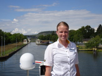 Sarah Pingel ist als Reiseleiterin auf der MS Hamburg unterwegs