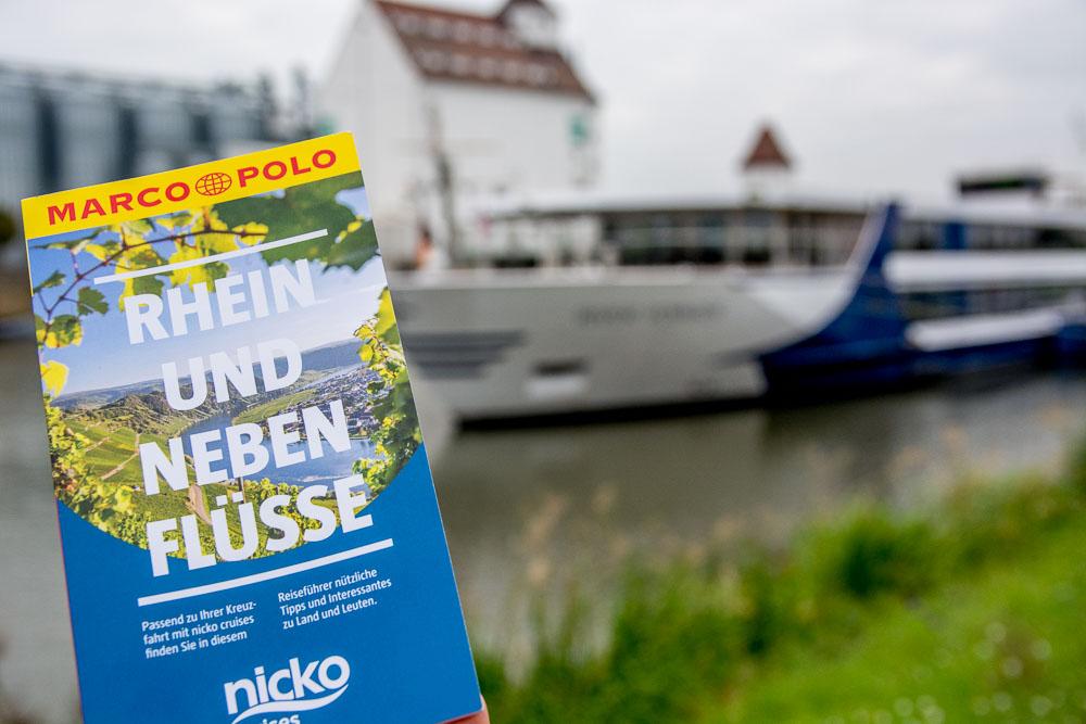 Wir nutzen den nicko cruises Reiseführer für unseren Ausflug auf eigene Faust