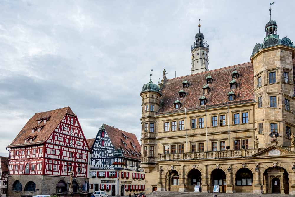 Am Marktplatz in Rothenburg ob der Tauber